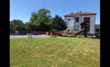 VILLA SINGOLA con 1500mq di giardino e piscina